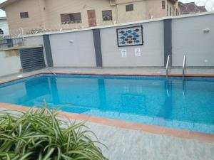5 bedroom Penthouse Flat / Apartment for rent Crescent LSDPC Maryland Estate Maryland Lagos