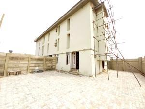 3 bedroom Semi Detached Duplex House for rent - Ikate Lekki Lagos