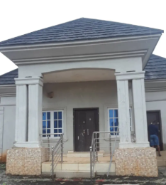 4 bedroom Detached Bungalow House for rent Etete GRA Oredo Edo