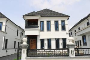 4 bedroom Detached Duplex House for sale Royal Gardens Estate Ajah Lagos