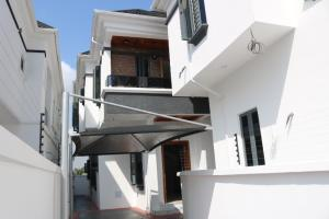 4 bedroom Semi Detached Duplex House for sale 2nd tollgate Lekki Phase 2 Lekki Lagos