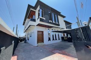 4 bedroom Semi Detached Duplex for sale 2nd Toll Gate Lekki Phase 2 Lekki Lagos