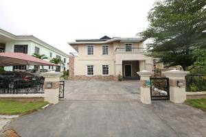 5 bedroom House for sale Carlton Gate Estate Chevron Drive Lekki chevron Lekki Lagos