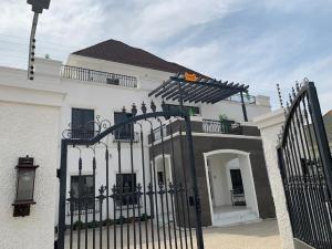 7 bedroom Massionette for sale Gwarinpa Estate Gwarinpa Abuja