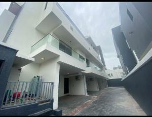 4 bedroom Terraced Duplex House for sale Banana Island, Ikoyi Lagos