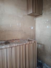 1 bedroom Self Contain for rent Off Morocco Road Onipanu Shomolu Lagos