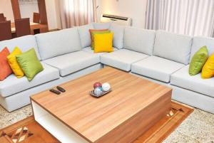 3 bedroom Flat / Apartment for shortlet Mobolaji Johnson Avenue  Old Ikoyi Ikoyi Lagos