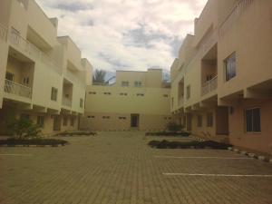 4 bedroom Penthouse Flat / Apartment for sale Oyi cerescent Maitama Abuja