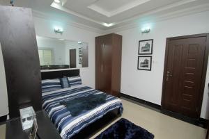 1 bedroom mini flat  Self Contain Flat / Apartment for sale Chevron Drive chevron Lekki Lagos