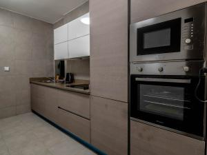 3 bedroom Mini flat Flat / Apartment for shortlet Adeola Odeku  Adeola Odeku Victoria Island Lagos