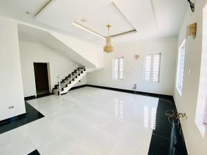 5 bedroom Terraced Duplex House for sale Creek Avenue Court 2 Lekki Ikota LAGOS NIGERIA  Ikota Lekki Lagos