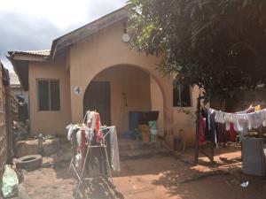 3 bedroom House for sale  orisumbare Candos road Ipaja  Ipaja road Ipaja Lagos