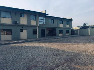 3 bedroom Blocks of Flats House for rent orogun close estate close to U.I Ibadan Oyo