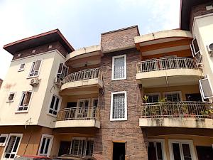3 bedroom Flat / Apartment for rent ologolo Jakande Lekki Lagos