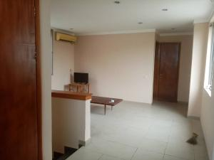 Mini flat Flat / Apartment for rent Norman Williams street Awolowo Road Ikoyi Lagos