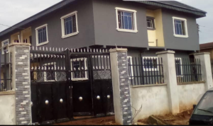 3 bedroom Blocks of Flats House for sale Agbor road, Benin city Central Edo