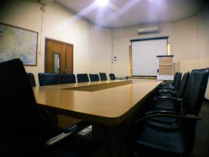 Meeting Room Co working space for shortlet 12, jibowu street yaba  Jibowu Yaba Lagos