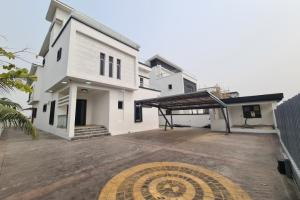 5 bedroom Detached Duplex House for sale Pinnock Estate Osapa london Lekki Lagos