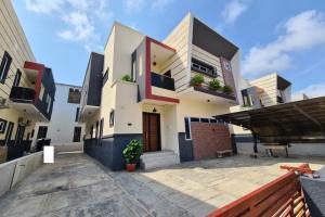 5 bedroom Detached Duplex for sale Chevron Toll Gate Lekki Lagos