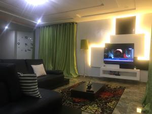 3 bedroom Flat / Apartment for shortlet Adeniyi Coker Street ONIRU Victoria Island Lagos