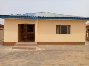 4 bedroom Detached Bungalow House for sale 4B, lane 2, Bota Housing Estate near Akoto Malu, Elebu Akala Express Ibadan Oyo
