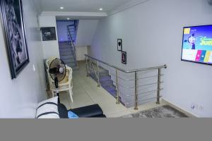 4 bedroom Terraced Duplex House for shortlet  Mekunwen Road, Brains And Hammers Estate,  Life Camp Abuja