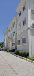 3 bedroom Blocks of Flats for rent Close To Nnpc Guzape Abuja