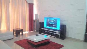 2 bedroom Penthouse Flat / Apartment for shortlet MILVERTON,OFF FREINDS COLONY ESTATE JAKANDE LEKKI LAGOS Agungi Lekki Lagos
