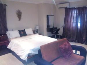 1 bedroom mini flat  Self Contain Flat / Apartment for shortlet - Shonibare Estate Maryland Lagos