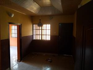3 bedroom Blocks of Flats House for rent No 40, Ologuneru comunity Ologuneru ibadan Ibadan north west Ibadan Oyo