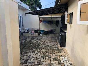 3 bedroom Detached Bungalow House for sale Keke Estate Pen cinema Agege Lagos
