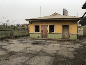Detached Bungalow House for rent Along Herbert Macaulay Way, Yaba, Lagos.  Yaba Lagos