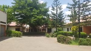 6 bedroom Detached Bungalow House for sale Close to jabi lake mall Jabi Abuja