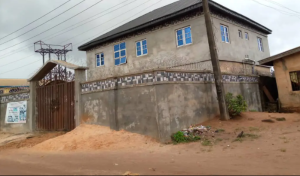 3 bedroom Flat / Apartment for sale Textile Mail Off Siluko Roa Central Edo
