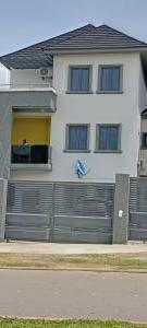 5 bedroom Semi Detached Duplex House for rent Close To Nnpc Guzape Abuja