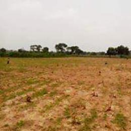 Residential Land Land for sale Upper Ekenhuan Road, After Ekenuan Road Barrack, Benin City. Ovia South-East Edo