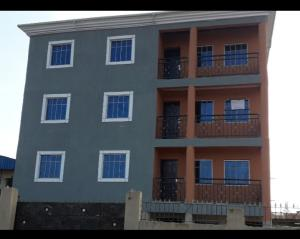 3 bedroom Flat / Apartment for rent lawanson Lawanson Surulere Lagos