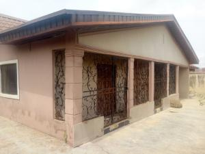 4 bedroom Detached Bungalow House for sale Adeleye Street, near Old Oyo Expressway off Isheyin road, Moniya Moniya Ibadan Oyo