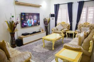 4 bedroom Self Contain Flat / Apartment for shortlet Ikota Lekki Lagos
