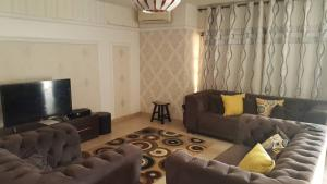 5 bedroom Self Contain Flat / Apartment for shortlet Lekki Phase 1 Lekki Lagos