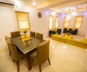5 bedroom Self Contain for sale Victoria Island Lagos