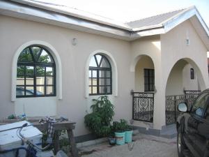 6 bedroom House for sale Z Ikotun/Igando Lagos