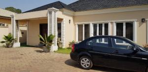 2 bedroom Detached Bungalow House for shortlet Onireke Jericho Ibadan Oyo