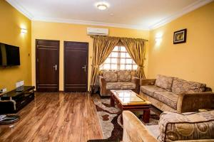3 bedroom Flat / Apartment for rent Off Ajao estate Anthony Village  Anthony Village Maryland Lagos
