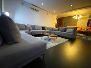 3 bedroom Self Contain for shortlet ONIRU Victoria Island Lagos