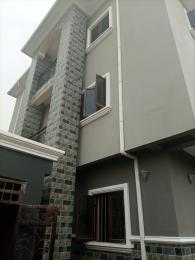 3 bedroom Blocks of Flats House for rent Ojitiku street off Cole by olufemi  Ogunlana Surulere Lagos