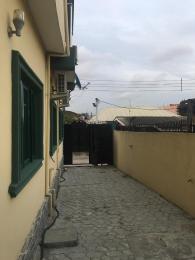 2 bedroom Semi Detached Duplex House for rent Surulere pilot crescent off bode thomas. Bode Thomas Surulere Lagos