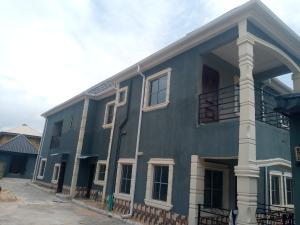 Flat / Apartment for rent x Lekki Phase 2 Lekki Lagos
