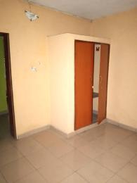 2 bedroom Flat / Apartment for rent Jibowu yaba off ikorodu road  Jibowu Yaba Lagos