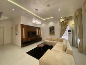 4 bedroom Detached Duplex for shortlet Off Ibrahim Eletu Way Osapa london Lekki Lagos